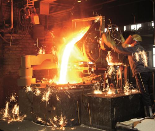 Flüssiges Metall in Gießerei